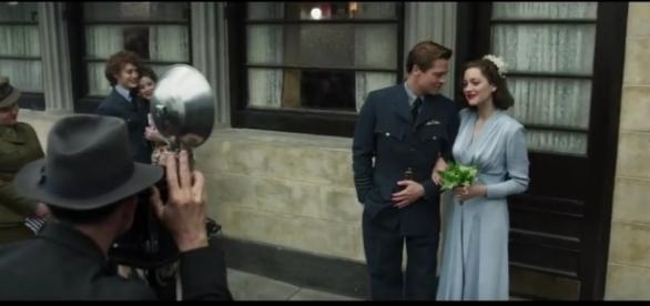 Brad Pitt et Marion Cotillard, mariés, dans le film Alliés