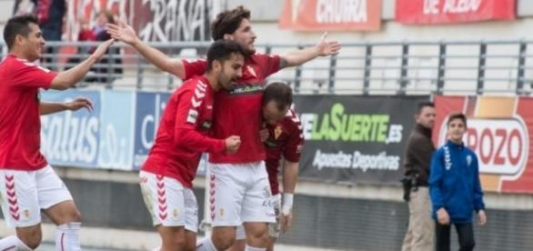 Germán celebra el 1-0 al Real Jaén.   Imagen: J. Carrión - La Verdad