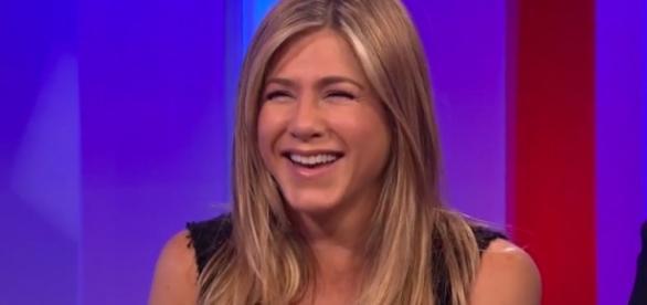 Jennifer Aniston Reveals a Friends Secret on The One Show | E! News - eonline.com