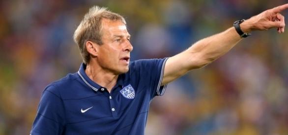 O técnico foi demitido após duas derrotas nas Eliminatórias da Concacaf