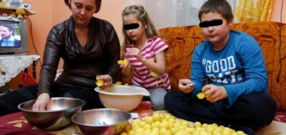 """The Sun a publicat un articol despre """"copiii sclavi"""" din România"""