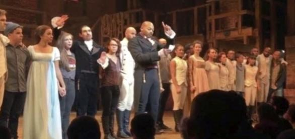 Zerchoo News - Pence: 'I wasn't offended' by message of 'Hamilton ... - zerchoo.com