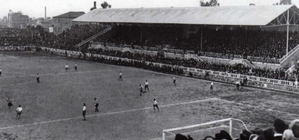 Cancha de fútbol de los años 1940