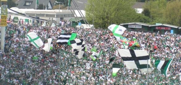 Monchengladbach vs Manchester City [image:upload.wikimedia.org]