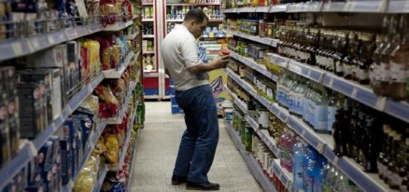 România este amenințată cu amenzi în cazul aplicării legii supermarketurilor