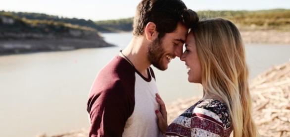 Seu namorado faz essas 7 coisas? Então ele te ama.
