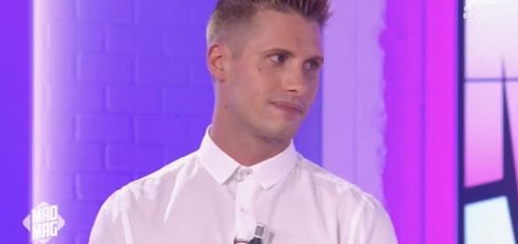 Benoît (#MadMag) - Il raconte le jour où Ayem et Matthieu se sont crêpés le chignon !