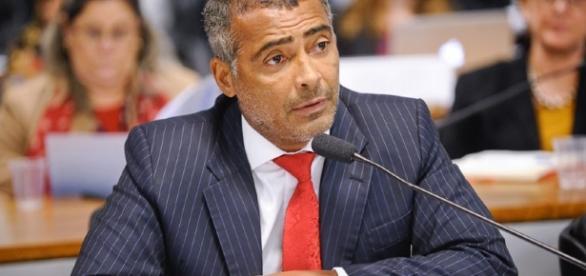 Romário segue trabalhando para modificar legislação do futebol brasileiro (Foto: Arquivo)