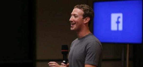 Facebook și Google angajează 2500 de oameni