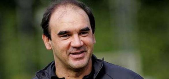 Será que Ricardo Gomes será o último técnico demitido no Brasileirão de 2016?