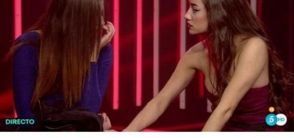 Adara gana a Simona en la Gala familar.