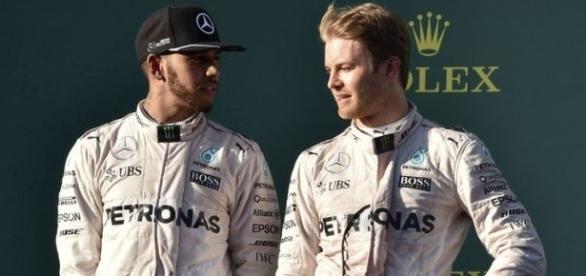 Em quem você aposta para ficar com o título da F1 2016, Hamilton ou Rosberg?