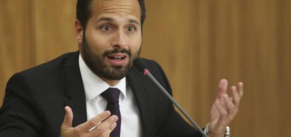 Ex-ministro da Cultura complica situação de Temer