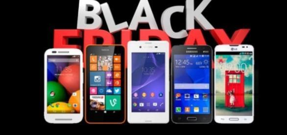 Os celulares estão entre os itens mais procurados na Black Friday