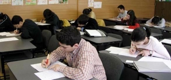 Teme mai puține pentru unii elevi din România