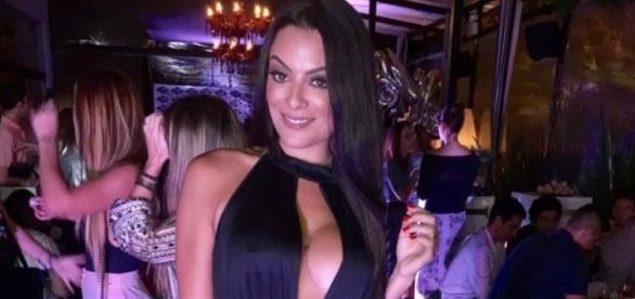 Ex-BBB Monique Amin, só mais um corpinho bonito ou uma modelo talentosa?