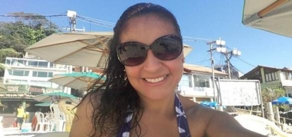 Andréa curte a vida recebendo salário mensal de R$ 9.200 sem precisar trabalhar.
