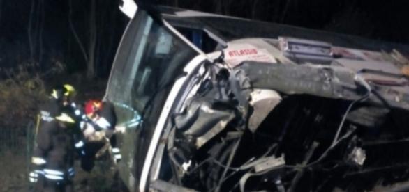 Autocar cu români rasturnat Italia - sursa foto DIGI 24