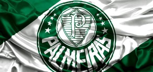 Imagem do escudo de melhor clube do Brasil em 2016.