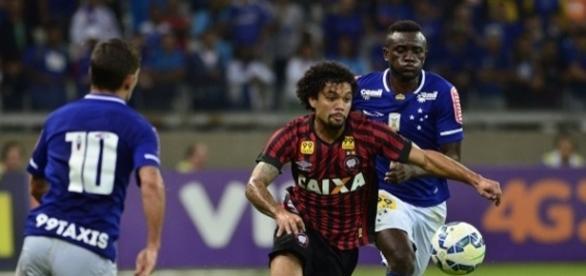Jogador não descarta atuar pelo Corinthians, em 2017.