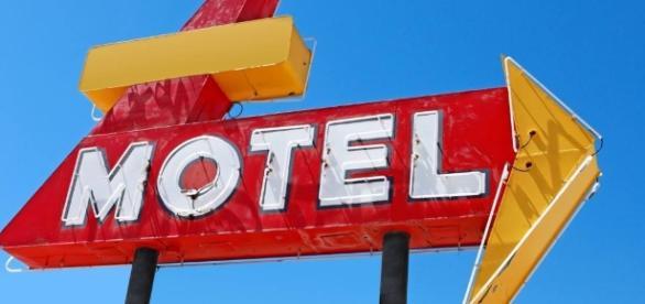 Mulher diz que vai à academia mas na verdade estava em motel