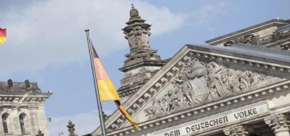 Ziel und Richtung gehen verloren, doch die Berliner Politik macht einfach weiter.