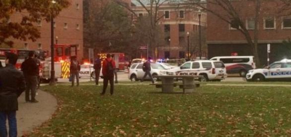 Atirador abre fogo em campus de Universidade nos EUA.