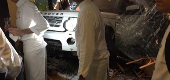 Manobrista perde controle com seu carro