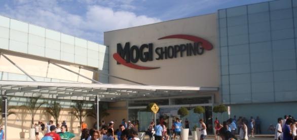 Tradicional shopping do Alto Tietê é um dos centros de compra mais frequentados na região em dezembro
