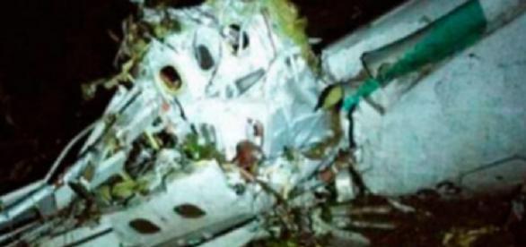 Imagens da tragédia em queda de avião