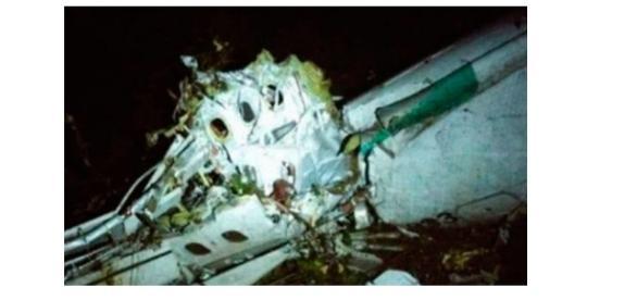 Imagens do avião acidentado da Chape