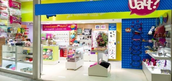 Lojas de produtos Uatt abre oportunidades de trabalho.