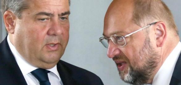 Mischen sich in die Innenpolitik Österreichs ein, Schulz und Gabriel.
