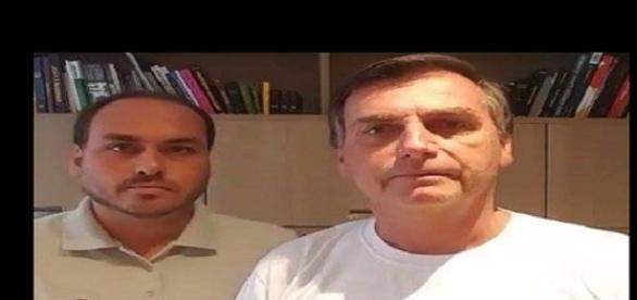 Em vídeo, Jair Bolsonaro tenta defender filho de polêmicas, mas a atitude virou alvo de piadas e memes nas redes sociais