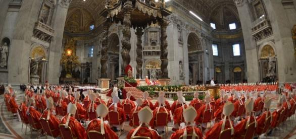 La Iglesi Católica actual y la problemática de los dogmas