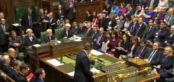 Parlamentarii britanici trebuie să decidă asupra BREXIT