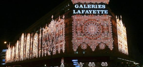 Galeries Lafayette - Noel - via Flickr Coralie Ferreira CC BY