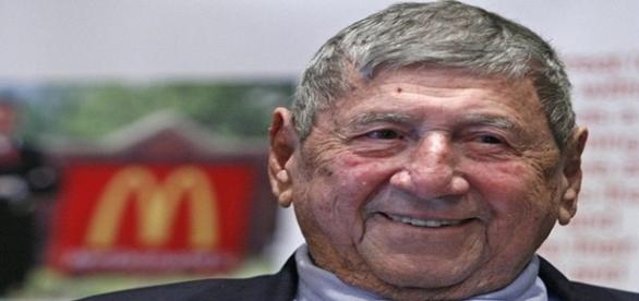 Jim Delligatti, criador do famoso Big Mac sanduíche da rede de fast food Mc Donald's