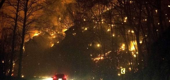 Man missing wife and two daughters in Tennessee fire. Photo: Blasting News Library- aarp.org
