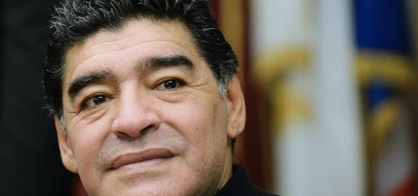 Maradona elogió a Tevez, apoyó a Angelici, comparó a Boca con el ... - com.ar
