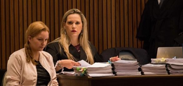 Mulher passa por julgamento após assassinar marido