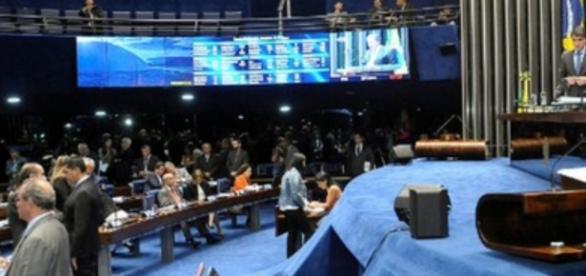 Senado aprovou em 1º turno a PEC que vai congelar os gastos públicos