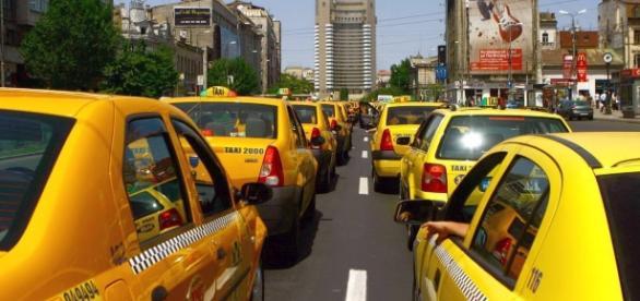 Taximetriștii continuă lupta cu sistemul Uber