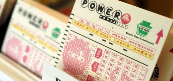 Tennessee Powerball jackpot winners give back - go.com