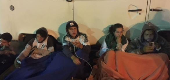 Torcida da Chapecoense está acampada no estádio Arena Condá