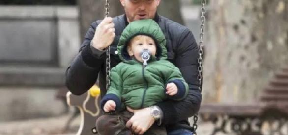Cantor anuncia pausa na carreira pelo filho