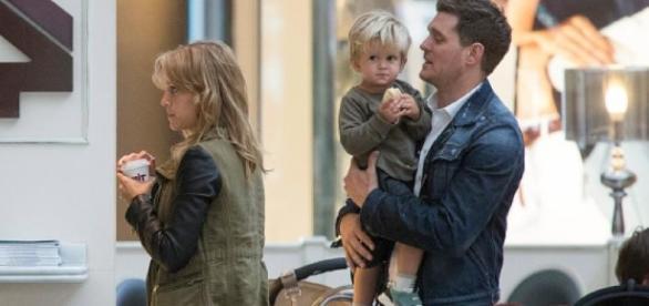 Cantor anunciou pausa na carreira para cuidar do filho