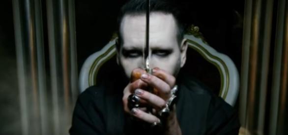 Marylin Manson décapite Donald Trump dans son clip