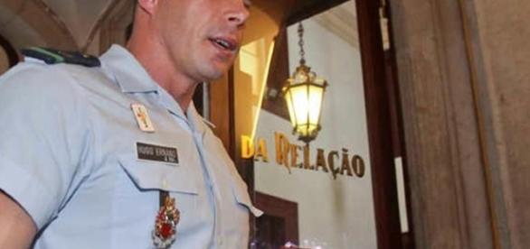 O militar da GNR Hugo Ernano entregou hoje 55.000 euros , a quantia que estava condenado a pagar