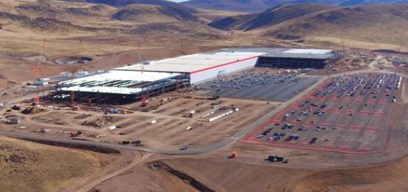 Tesla Gigafactory Youtube, Duncan Sinfield channel